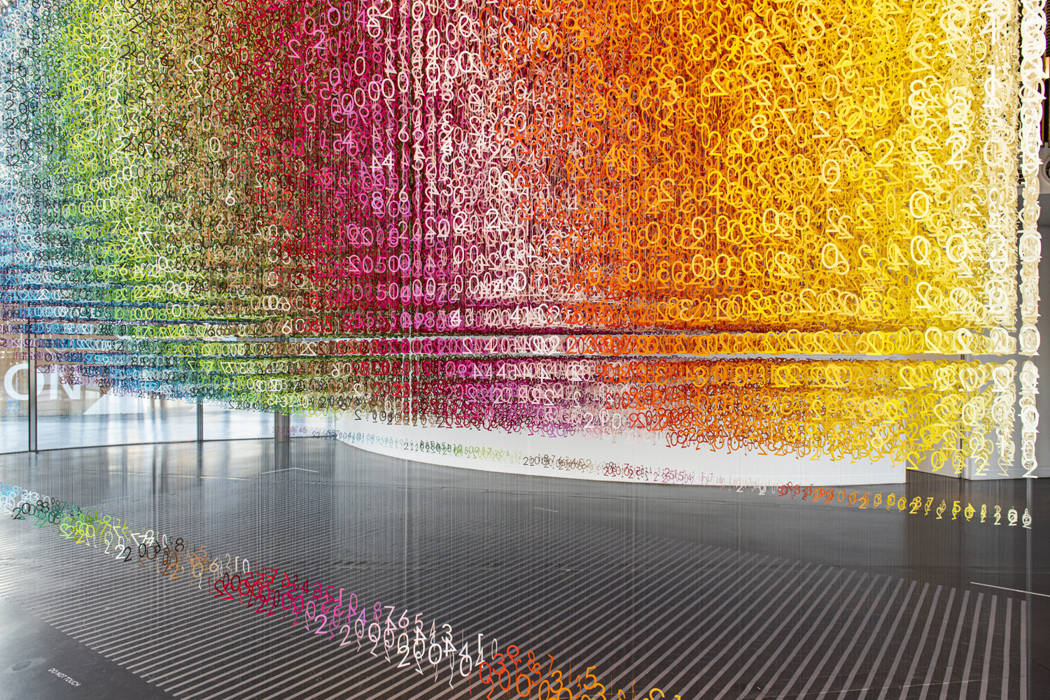 5_emmanuelle_moureaux_Slices_of_Time.jpg